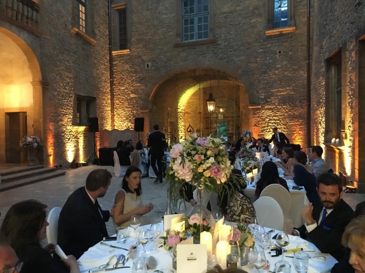 mariage_lyon_chateau_bagnols.jpg